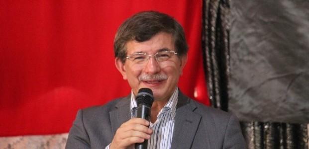 Davutoğlu'ndan Konya'da İhsanoğlu'na Eleştiri