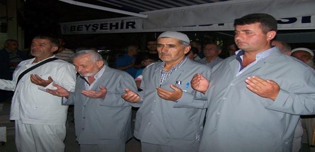 Beyşehir'de Hacılara Coşkulu Uğurlama