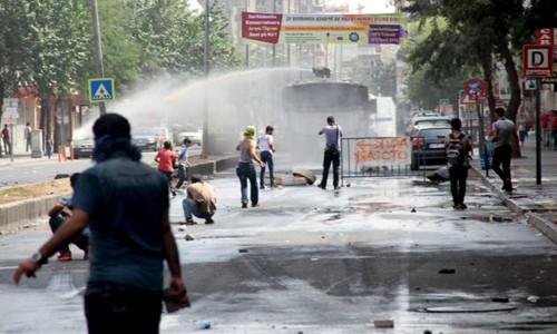 Diyarbakır sokakları karıştı