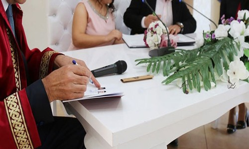Evlenme ve boşanma azaldı
