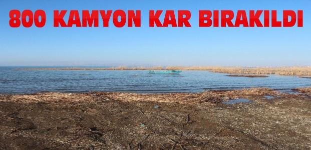 Göl Kıyılarına 800 Kamyon Kar Bırakıldı