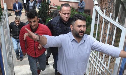 Hakeme saldıran taraftar serbest