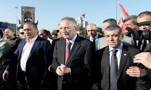 İhsanoğlu'na Diyarbakır'da Şok