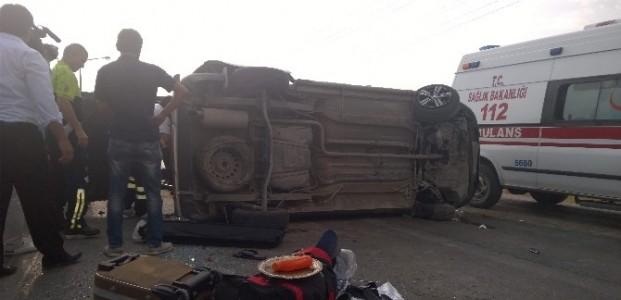Kontrolden Çikan Araç Takla Attı: 6 Yaralı