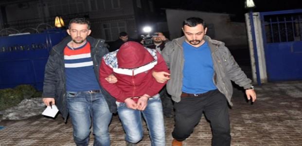 Konya'da Soyguncular Kıyafetlerinden Yakalandı
