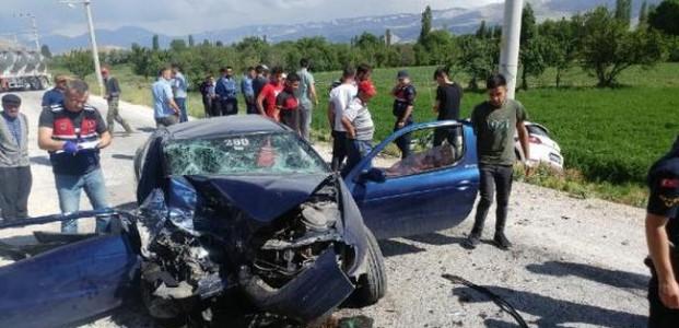 Konya'daki Kazada Aynı Aileden:1 Ölü 3 Yaralı