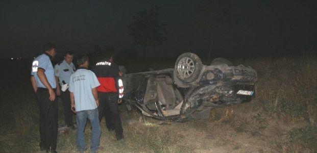 Kulu'da Otomobil Şarampole Yuvarlandı: 3 Yaralı