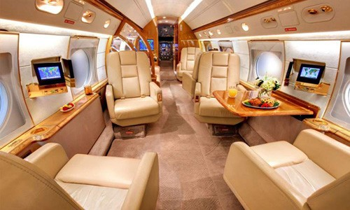 Messi'nin 15 Milyon Dolarlık Uçağı