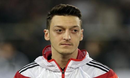 Mesut Özil'in Yardımı Fos Çıktı