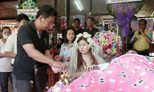 Nişanlısının cesediyle evlendi