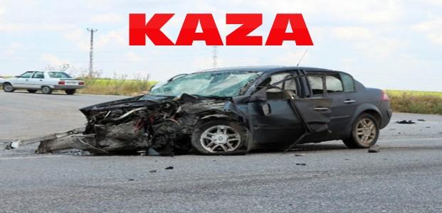 Otomobiller Çarpıştı:1'i Ağır 4 Yaralı