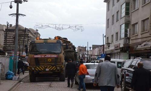 Sur'da tanklar birliklerine çekildi