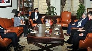 Avustralya Büyükelçisi'nden SÜ'ye Ziyaret