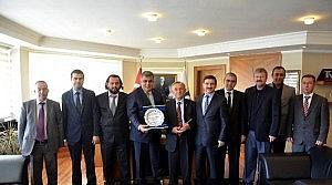 Dekan Pehlivan'dan Başkan Özgüven'e Ziyaret