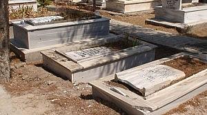 Ereğli'de 19 Mezar Taşına Zarar Verildi