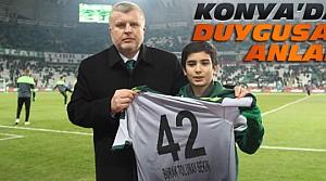 Fethi Sekin'in Oğluna Konya Stadında Forma Hediyesi