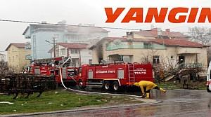 İki Katlı Evde Yangın Çıktı