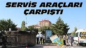 Konya'da İki Servis Aracı Çarpıştı