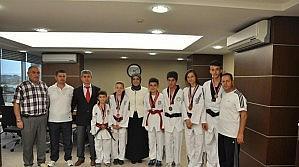 Toru Başarılı Tekvandocuları Ödüllendirdi