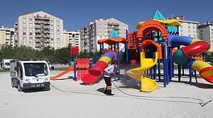 Selçuklu'da Parklar Temizleniyor