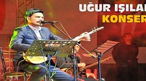 Uğur Işılak Akşehir'de Konser Verdi