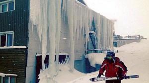 Uludağ'da kar 2 metreyi aştı