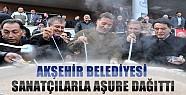 Akşehir'de Aşure Dağıtımına Sanatçılar da Katıldı