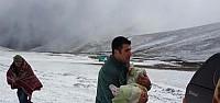 Beşiktaş Ardahan'da kar yağışı yolları kapattı