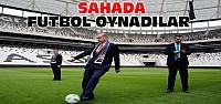 Erdoğan, Davutoğlu ve Gül Sahada Top Oynadı