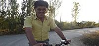 Gözleri Görmüyor Bisikletiyle Eve Gidip Geliyor