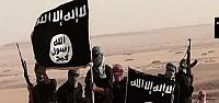 IŞİD Sınırda Bayrak Astı