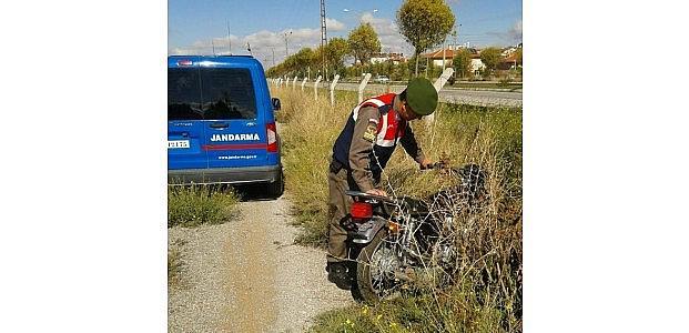 Jandarma Sazlar Arasında Motosiklet Buldu