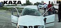 Otomobil Köpeğe Çarparak Takla Attı