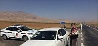 Yunak Jandarmasından Sürücülere Şekerli Uyarı