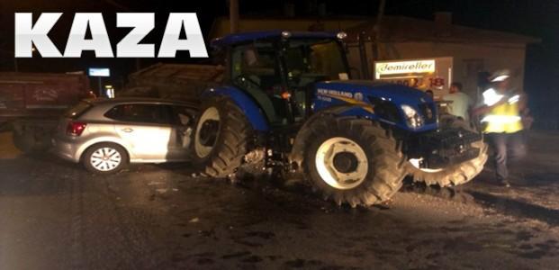 Traktör Otomobille Çarpıştı