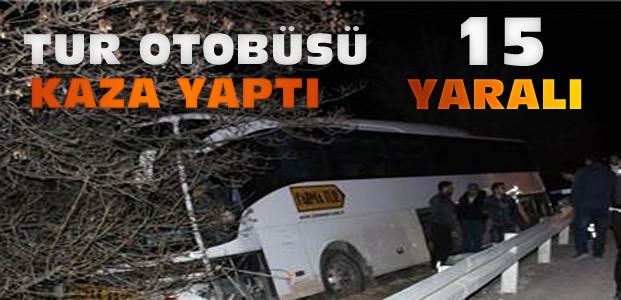 Tur Otobüsü Konya'da Kaza Yaptı:15 Yaralı