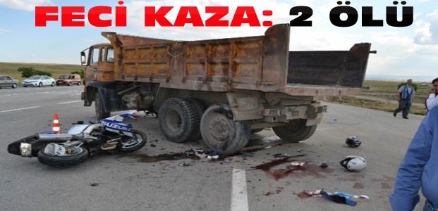 Yarış Motosikleti Kamyona Çarptı:2 Kişi Öldü