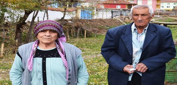 Yaşlı Çift Sahte Doktorlara 4 Bileziğini Kaptırdı