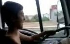 Kamyonet Kaçıran 10 Yaşındaki Çocukların Ölüm Oyunu-Tıkla İzle