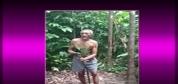 70'lik Dede Ağaca Tırmandı